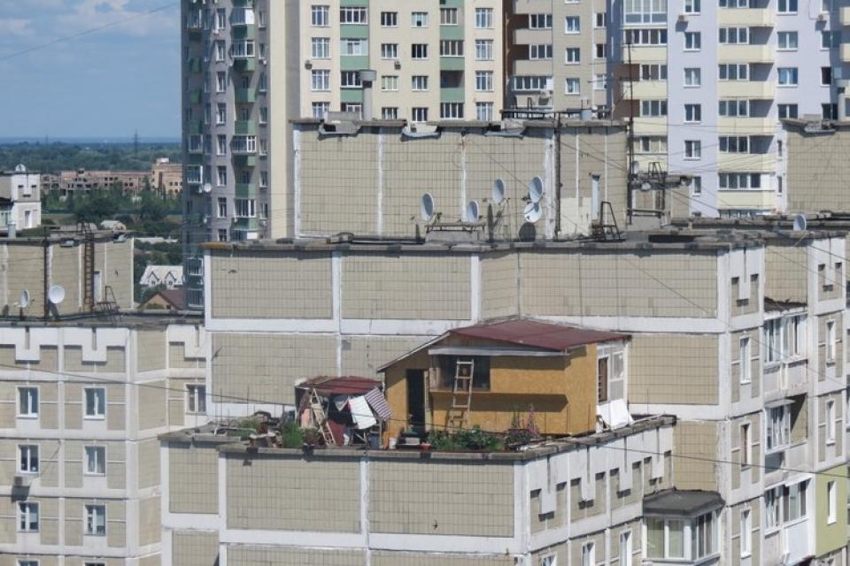 Наши архитекторы-любители способны превратить балкон в кварт.