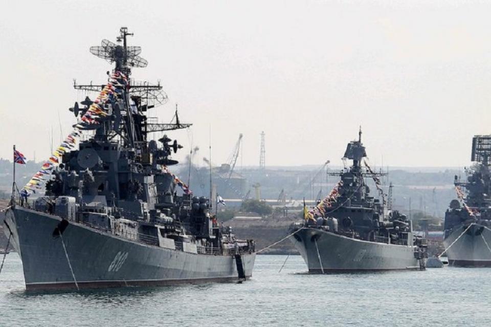 Лучшие кадры военно-морского парада в Севастополе