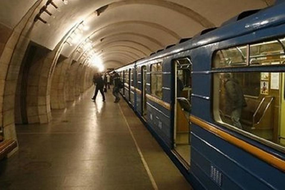 Станцию метро олимпийская в киеве