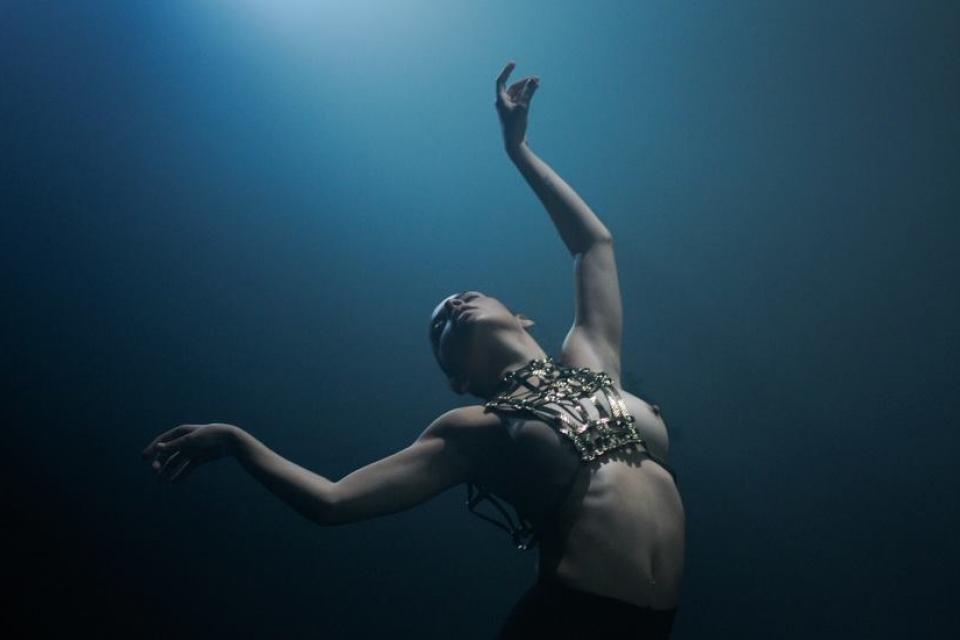 Голая Мария Горбань на фото из Maxim и в кино