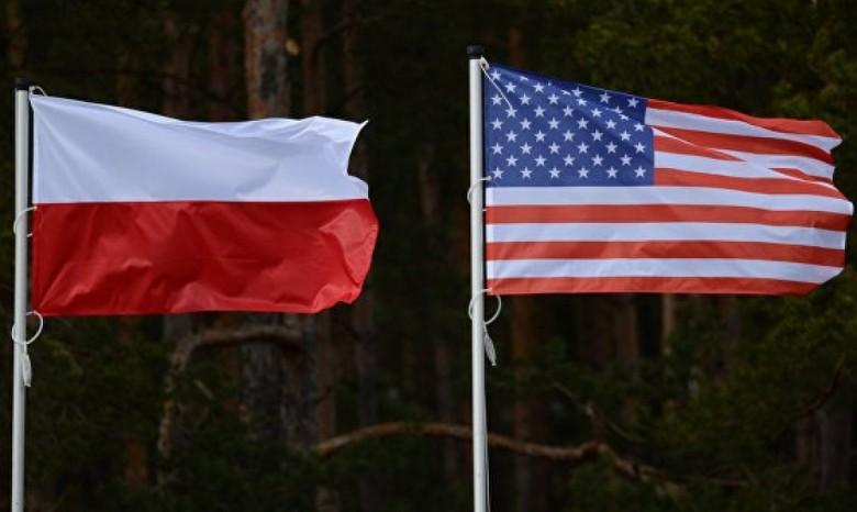 США ввели запрет надвусторонние контакты сПольшей вБелом доме