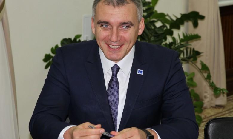 Суд постановил немедленно восстановить Сенкевича вдолжности главы города Николаева