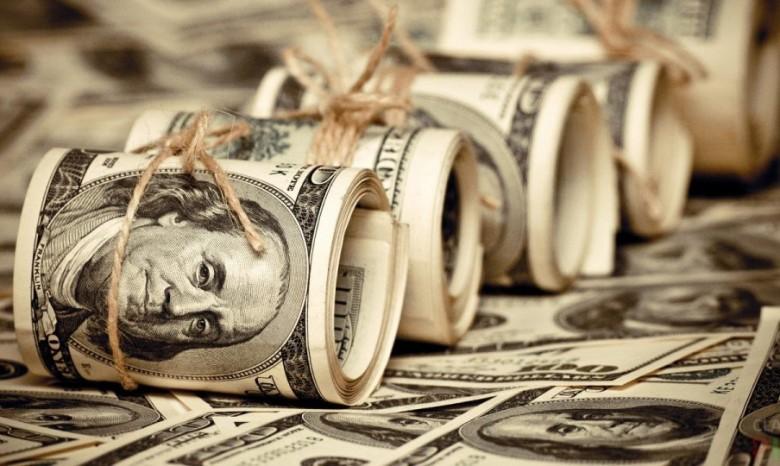 Украина должна выплатить 18 млрд долларов, чтобы погасить долги