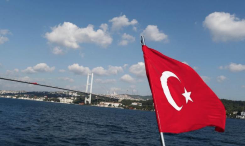 Правительство Турции решило продлить чрезвычайное положение
