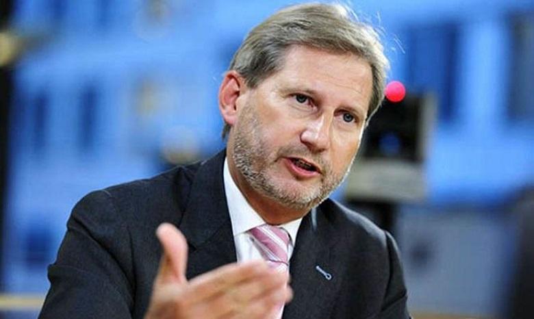 Украину посещает европейский комиссар по европейской политике соседства